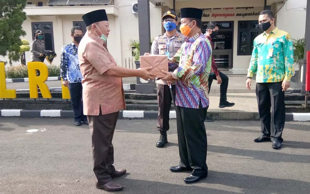 SJAI Donate PPE and Necessities to Residents in North Lampung